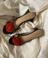 FLORSHEIM Zigi Ladies Leather upper and lining Size 40 flower Heels