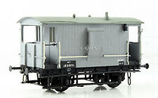 D.C.LAWRENCE OO GAUGE KIT BUILT GREY 20 TON BRAKE VAN 153571