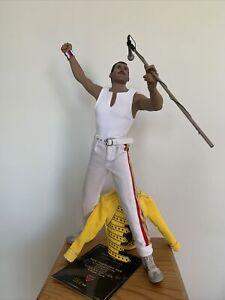 "1:6 Queen Freddie Mercury Live at Wembley Stadium Hot Toy 12"" Figure Win C"