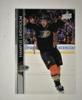 2020-21 UD Series 1 Clear Cut #3 Hampus Lindholm - Anaheim Ducks