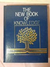 The New Book of Knowledge Annual 1982 (Hardcover)