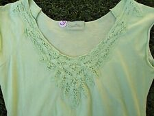 Sweetees Anthropologie Green Short Sleeve Scoop Neck Embroidery Top Size S