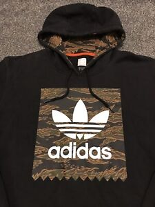 Adidas Originals Skateboarding Hoodie Mens Medium Black With Camoflage Logo Rare