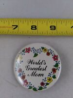Vintage WORLD'S GREATEST MOM pin button pinback *EE70