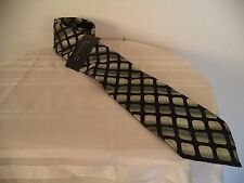 Men's Green/ Black Arrow Tie. 100% Silk. One Size.