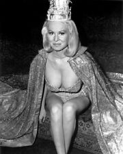 JOI LANSING ACTRESS AND MODEL PIN UP - 8X10 PUBLICITY PHOTO (AZ941)