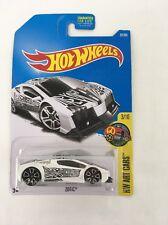 Hot Wheels Zotic HW Art Cars 3/10 1:64 Car 37/365 White Black Tribal