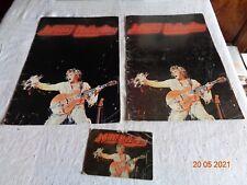 JOHNNY HALLYDAY - programmes concert  deux variantes + carte postale signée
