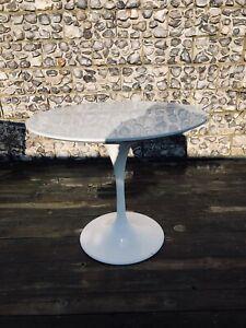 Eero Saarinen Style Circular Dining Table