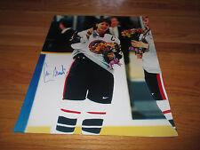 CAMMI GRANATO signed 1998 NAGANO Women's Hockey Gold Medalist 16x20 Photo Waving