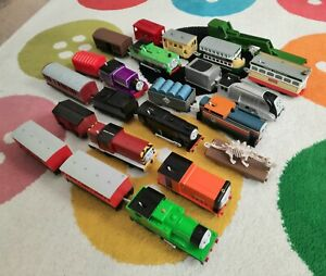 Thomas the Tank Engine and Friends Trackmaster - 10 Train + 12 Trucks Bundle