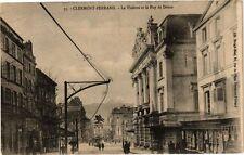 CPA  Clermont-Ferrand - Le Théátre et le Puy de Dome   (221736)