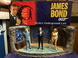 CORGI Boxed JAMES BOND 007 Dr No Lair Ceramic DIORAMA Set 3x ICON Figure Set 90s