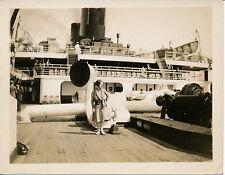 Paquebot c. 1930 - Femme sur le Pont - 73