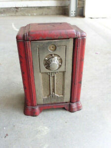 1920s Kenton Toys Cast Iron Radio Console Savings Bank w Combination Door Works