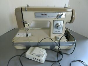 Old Vintage Brother Deluxe Zig Zag Sewing Machine w/Case & Booklet Working