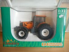 Universal Hobbies Renault Atles 936 RZ in Orange on 1:32 in Box