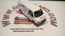 Johnny Lightning GMC Panel Van Edition Limitée Glass Doctor (9995)
