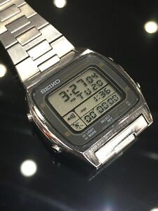 VINTAGE 1980's SEIKO A714-5009 RUNNING MAN  LCD CHRONOGRAPH WATCH