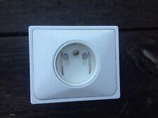 Prise 2P+T blanc  arnould 1001 design Raymond Loewy