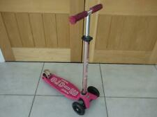 Maxi Micro Kick scooter in pink, good condition. Will post