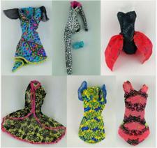 Monster High Fashion Shop 8-Basic outfits Mode cambio ropa ari Silvi Cleo