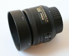 Nikon AF-S DX NIKKOR 35mm f/1.8G Lens with hood