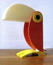 Lampe Toucan éditeur : Old timer Ferrari 1960 Kartell, Artemide, magistretti....