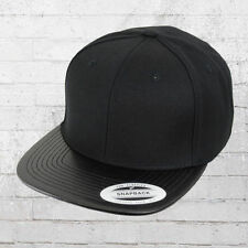 Yupoong Cap mit Kunstleder Schild Snapback Kappe schwarz Mütze Haube Basecap Hat