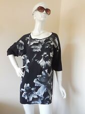 BELLECURVE  LOOSE  BLACK AND WHITE  TOP  SIZE 16