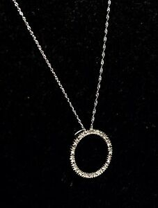 "Diamond Circle Pendant 10K White Gold very pretty, nice sparkle 16"" chain"