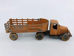 Vintage Tootsietoy #0801 Mack Double Axle Express Stake Truck Mfg 1933 - 1935