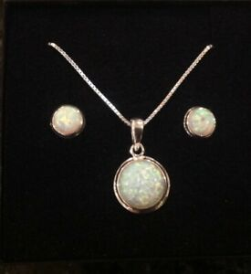 Sterling Silver White Fire Opal Round cabochon Pendant Necklace & Stud Earrings