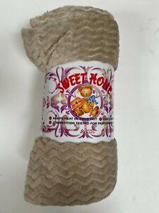 Beige Fuzzy Flannel Throw Blanket Lightweight Soft Microfiber Warm Plush Blanket