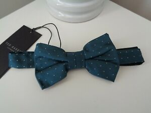 BNWT Ted Baker Dinzbow Teal Pin Dot Pattern Silk Bow Tie