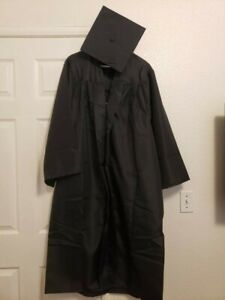 """Cap and Gown By Jostens Size 5'7""""- 5'9"""""""