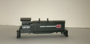 Athearn Blue Box SW1500 Shell - Family Lines System - With Cab Glass