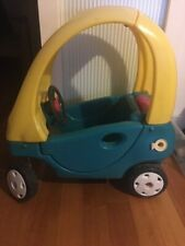 LITTLE TIKES COZY COUPE - IN GOOD USED CONDITION Pick up from Watsonia (3087)