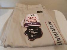 Men's Lee Stain Resistant Khakis Plain Front New w/ Tags 34x32