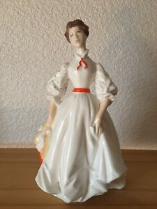 """Royal Worcester Lady Figurine 7"""" """"Morning Walk 1970's Made in England Bone China"""