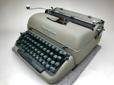 1956 Remington Quiet-Riter Typewriter (Super Clean)