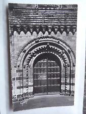 CPM Fresnay sur Sarthe (Sarthe) Porte de chêne aux vantaux sculptés datant 1528