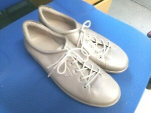Ecco silver grey leather lace up shoes size 7.5/41