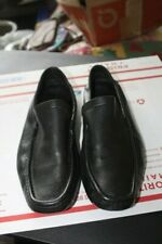GUCCI MEN'S BLACK LEATHER LOAFERS SIZE 9 D