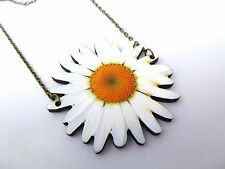 Vibrante declaración de Madera Blanco Oro Antiguo Collar Colgante de Flor de la Margarita