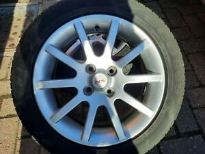 1x GENUINE TOYOTA YARIS SR  ALLOY 15 inches vgc tyre