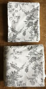 IKEA floral double-duvet cover + 2 pillowcases. Excellent, hardly-used condition
