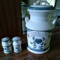 Cookie Jar And Salt And Pepoer Shaker Set 1996 signed Jay China