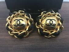 Chanel clip earrings vintage mint cc logo chain leather classic rare France