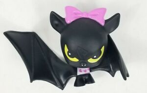 Monster High Count Fabulous Figure Bat Vinyl Draculaura Pet